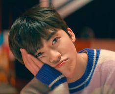 Just wait, the card will flip over by itself # Fiksi Penggemar # amreading # books # wattpad Nct 127, Sehun, Grupo Nct, Saranghae, Rapper, I Dont Need You, Dream Boyfriend, Nct Dream Jaemin, Fandoms