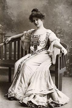 Miss Billie Burke - L'ancienne cour
