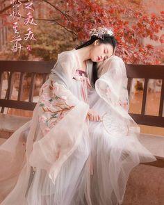 (圖片來自#weibo) #漢服 #中華 #中國風 #hanfu #china #chinesestyle #traditional #culture #art #dress #chinesegirl