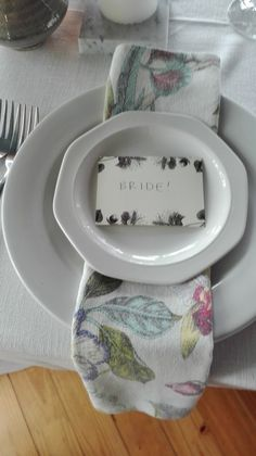 So simple this placing - wedding tables Wedding Tables, Plates, Weddings, Simple, Tableware, Licence Plates, Dishes, Dinnerware, Griddles