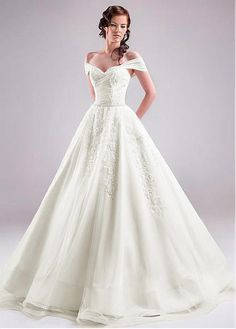 Marvelous Tulle Off-the-shoulder Neckline Ball Gown Wedding Dresses With Lace Appliques