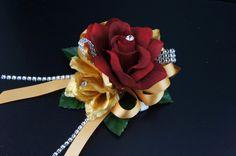 "Dimension:6"" L x 4"" Wide. Beautiful arrangement rose corsage with flexible wrist band"