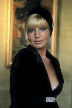"""Belated birthday wishes to Monica Vitti - 80 years old on November 3 ! Nice to see that Italian """" Vanity Fair """" is celebrating her with a c. Hollywood Icons, Classic Hollywood, Old Hollywood, Female Actresses, Actors & Actresses, Mike Movie, Stephane Audran, Non Plus Ultra, Beautiful People"""