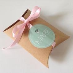 Kussendoosje voor doopsuiker of trouwbedankje, karton | per stuk