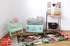 Maayle Chic http://maaylechic.blogspot.com DIY canevas tapis flamand rose déco homemade pompons paillette chambre enfant baby