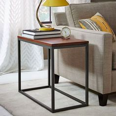 Mesa de arrime de hierro y madera modelo box frame