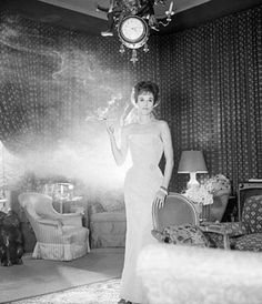 Babe Paley in her St. Regis apartment decorated by Billy Baldwin. Photo by Snowdon. Vogue, March 1, 1959.