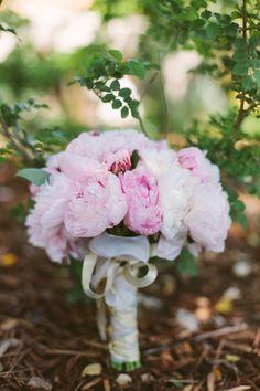 Floral Design: Linda Carson - http://www.stylemepretty.com/portfolio/linda-carson Photography: Katie Shuler Photography - http://www.stylemepretty.com/portfolio/katie-shuler-photography   Read More on SMP: http://www.stylemepretty.com/2014/07/25/classic-indoor-wedding-with-a-dash-of-glam/