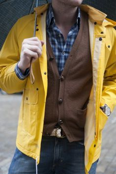Articles of Style: Custom Menswear Made in America Yellow Rain Jacket, Yellow Cardigan, Brown Cardigan, Rainy Outfit, Outfit Winter, Mens Raincoat, Beige Coat, Men Style Tips, Style Men