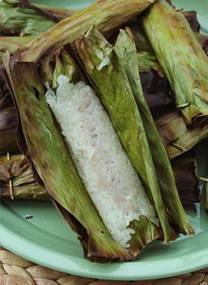 ข้าวเหนียวปิ้งไส้เผือก Grilled Taro Stuffed Coconut Sticky Rice