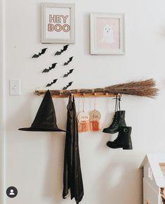Casa Halloween, Halloween Inspo, Theme Halloween, Halloween Home Decor, Outdoor Halloween, Halloween Christmas, Diy Halloween Decorations, Halloween Crafts, Holiday Crafts