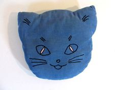 Vintage cat pillow by dirtybirdiesvintage