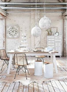 20 Stunning Shabby Chic Dining Room Design Ideas Like the modern looking farm table. Modern Farmhouse Living Room Decor, Shabby Chic Decor Living Room, Shabby Chic Interiors, Chic Living Room, Shabby Chic Bedrooms, Shabby Chic Kitchen, Modern Room, Farmhouse Furniture, Bedroom Furniture