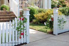 Picket Fence Ideas for Instant Curb Appeal – modern landscape design front yard Backyard Fences, Garden Fencing, Front Yard Landscaping, Driveway Fence, Driveway Entrance, Farm Fence, Outdoor Landscaping, Landscaping Ideas, Yard Design