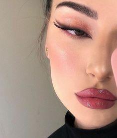 ✔ Aesthetic Makeup Looks Eyeliner Glam Makeup, Cute Makeup, Pretty Makeup, Skin Makeup, Makeup Inspo, Makeup Inspiration, Makeup Style, Awesome Makeup, Makeup Brushes