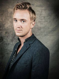 "Thomas Andrew ""Tom"" Felton is an English actor. He is best known for playing the role of Draco Malfoy in the Harry Potter film series. Draco Malfoy Imagines, Draco And Hermione, Draco Harry Potter, Harry Potter Characters, Harry Potter World, Severus Snape, Ron Weasley, Hermione Granger, Tom Felton"