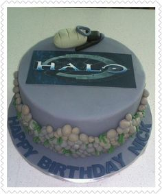 Halo Master Chief helmet cake buttercream with fondant decorations
