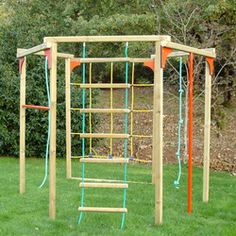 Structure jeux Boundao Backyard Gym, Backyard Obstacle Course, Backyard For Kids, Kids Outdoor Playground, Outdoor Activities For Kids, Building A Floating Deck, Kids Climbing, Backyard Makeover, Outdoor Crafts