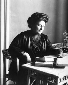 me and my blog: Maria Montessori