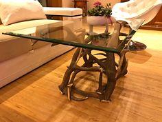 #geweih #geweihdeko #dekogeweih #Hirschgeweihdeko #Hirschgeweih #antler #deer #chalet #jagdhütte #chaleteinrichten #almhütte #geschenkefürjäger #geweihmöbel #designereinrichtung #antler #hunt #hunting # antler table #landhaus couchtisch #landhaus couchtisch glas #landhaus #hirsch #holz #wood #geweih couchtisch #chalet alpin #rustic #rustikal Designer, Dining Table, Modern, Furniture, Home Decor, Antler Lamp, Cottage Chic, Dinning Table Set, Rustic