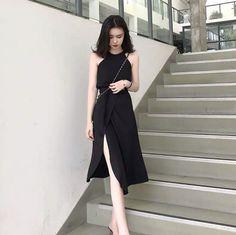 Korean Fashion Dress, Kpop Fashion Outfits, Ulzzang Fashion, Korea Fashion, Women's Fashion Dresses, Cute Casual Outfits, Stylish Outfits, Fashion Beauty, Girl Fashion