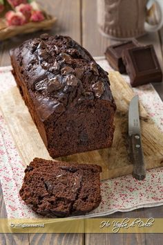 Plumcake al cioccolato sofficissimo Sweet Recipes, Cake Recipes, Dessert Recipes, Cake Au Nutella, Torte Cake, Plum Cake, Healthy Cake, Sweet Cakes, Food Cakes