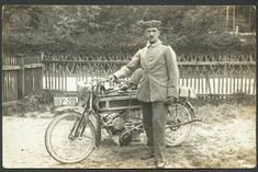 Historical Photos, Motorcycles, Europe, Black And White, Retro, Vintage, Art, Motorbikes, Historical Pictures