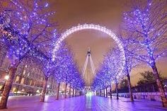 Ride the London Eye. Got to spend 13 hours in England and I spent an hour of it riding the London Eye Bucket List For Teens, Summer Bucket Lists, Teenage Bucket Lists, London Eye, London Night, The Places Youll Go, Places To See, Weihnachten In London, Halloween Imagem