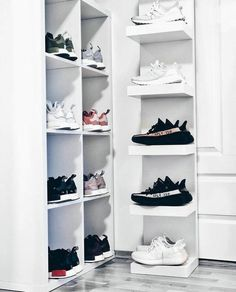 Buy New Adidas Yeezy Boost 350 Black White / Oreo sneakers online Sneaker Storage, Shoe Storage, Shoe Racks, Shoe Room, Shoe Closet, Hypebeast Room, Butter Shoes, Buy Shoes Online, Shoes