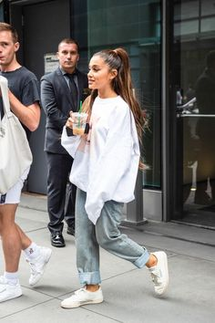 The best Ariana Grande outfits of 2019 - Ariana Grande casual outfit - . - The best Ariana Grande outfits of 2019 – Ariana Grande casual outfit – - Ariana Grande Outfits Casual, Cute Casual Outfits, Casual T Shirts, Ariana Grande Clothes, Ariana Grande Cute, White Outfit Casual, Ariana Grande Tumblr, Casual Jeans, Celebrity Style Casual