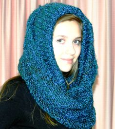 Peacock Blue      Azur bue Hooded Infinity by nouveauvintageltd