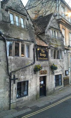 Bradford-upon-Avon :: A quaint place for a spot of tea! In jolly ole' England ( I didn't say that, obviously)