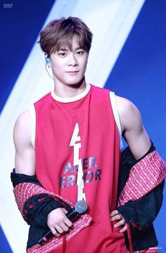 It's hard to stay loyal to MJ when MoonBin is walking around lookin like that! K Pop, Kim Myungjun, Jinjin Astro, Park Jin Woo, Lee Dong Min, Astro Fandom Name, Eunwoo Astro, Pre Debut, Rapper