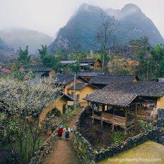 Vietnam Images-Landscape-people-Ha Giang phong cảnh việt nam North Vietnam, Hanoi Vietnam, Laos, Vietnam Image, Places To Travel, Places To Visit, Good Morning Vietnam, Village Photography, Beautiful Vietnam