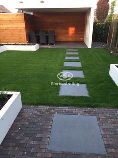 Stones with step tiles in the grass. n … - Modern Vegetable Garden Design, Garden Landscape Design, Outdoor Life, Outdoor Gardens, Tile Steps, Garden Tiles, Garden Steps, Diy Patio, Garden Inspiration