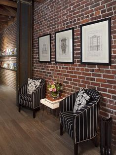Exposed brick walls room that inѕріrе for your home design 35 Related Fake Brick Wall, Brick Wall Decor, White Brick Walls, Exposed Brick Walls, Black Brick, Faux Brick, Modern Brick House, Brick House Designs, Brick Design