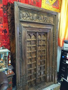 A wide selection of old world palace doors, architectural imports from India at Mogulinterior. antique doors, rustic doors, barn doors and artisan carved doors in teak wood. Custom Wood Doors, Rustic Doors, Wooden Doors, Wooden Front Door Design, Main Door Design, Antique Doors, Old Doors, Indian Furniture, Wooden Furniture