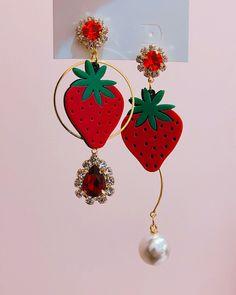 Cute Jewelry, Bling Jewelry, Jewlery, Jewelry Accessories, Fashion Accessories, Jewelry Design, Fashion Jewelry, Korean Earrings, Earring Box