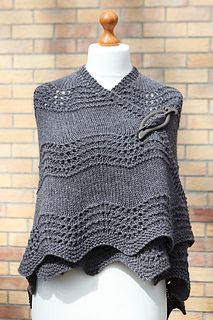 Free knitting pattern Old Shale Shawl - great for beginners. This and more free shawl knitting patterns at http://intheloopknitting.com/textured-shawl-knitting-patterns/