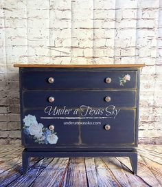 Check out this amazing furniture transformation from a hot mess to marvelous- a Dixie Belle Makeover. Don't throw out your ugly furniture! Wood Sconce, Rub On Transfers, Small Chest Of Drawers, Good Bones, Dixie Belle Paint, Paint Effects, Chalk Paint Furniture, Mineral Paint, Gold Gilding