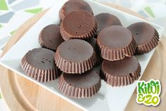 Zelf gezonde chocolade maken Raw Food Recipes, Cake Recipes, Healthy Recipes, Good Food, Yummy Food, Paleo Sweets, High Tea, Diy Food, Superfood
