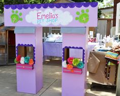 The pet shop i made for Emelia's party. Lalaloopsy / littlest pet shop party