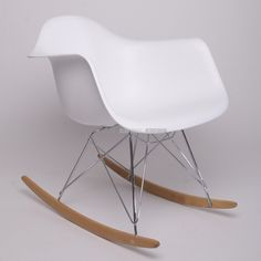 1000 images about meubles on pinterest design table euro and buffet - Chaise a bascule blanche ...