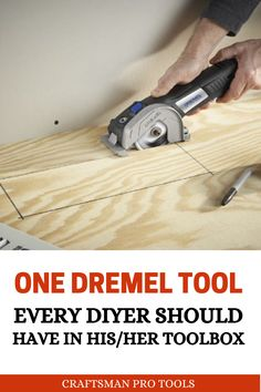 One Dremel Tool Every DIYer Should Have in his toolbox - If you carry out DIY projects, you'll find this Dremel tool vey useful. Dremel Tool Bits, Dremel Werkzeugprojekte, Dremel Tool Projects, Dremel Wood Carving, Dremel Ideas, Woodworking Power Tools, Small Woodworking Projects, Popular Woodworking, Diy Woodworking