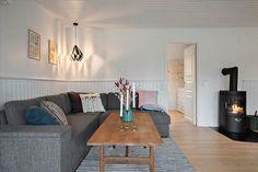 Miete Ferienhaus 1392-N in Merkurvej 17, Hornbæk Danish Interior Design, Couch, Furniture, Home Decor, Cottage House, Decorating, Settee, Decoration Home, Sofa