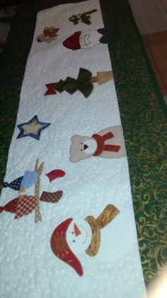 Bandô em patchwork, tecido 100% algodão, estruturado com manta resinada, quiltado, tema : Natal. Feito sobre medida - sobre encomenda.