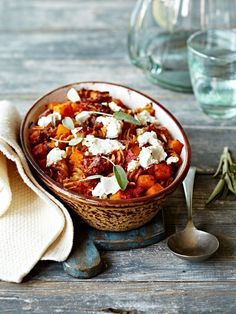 and fusilli bake with goat cheese - Pumpkin Spirelli bake with goat cheese Gourmet Sandwiches, Healthy Sandwiches, Sandwiches For Lunch, Sandwich Recipes, Fusilli, Veggie Recipes, Fall Recipes, Cheese Pumpkin, Soul Food