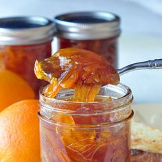 Orange Marmalade - who knew making marmalade was this easy? This recipe adds a little natural vanilla in what might me the best marmalade you& ever try. Rock Recipes, Jam Recipes, Canning Recipes, Recipies, Jelly Recipes, Chutney Recipes, Making Marmalade, Orange Marmalade Recipe, Grapefruit Marmalade