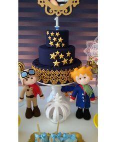 Bolo Decorativo Pequeno príncipe Prince Birthday Party, First Birthday Cakes, 1st Birthday Girls, 1st Birthday Parties, Birthday Party Decorations, Little Prince Party, The Little Prince, Baby Shower Parties, Baby Boy Shower