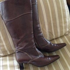 Beautiful Gabor heeled boots Perfect condition Gabor boots! Perfect with a dress, skirt, or leggings. Gabor Shoes Heeled Boots